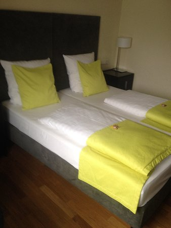 Bed Picture Of Hotel Hamburger Hof Frankfurt Tripadvisor