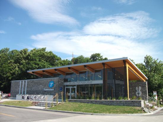 L'Isle-aux-Grues, Kanada: Bureau d'information touristique situé dans la Gare Maritime