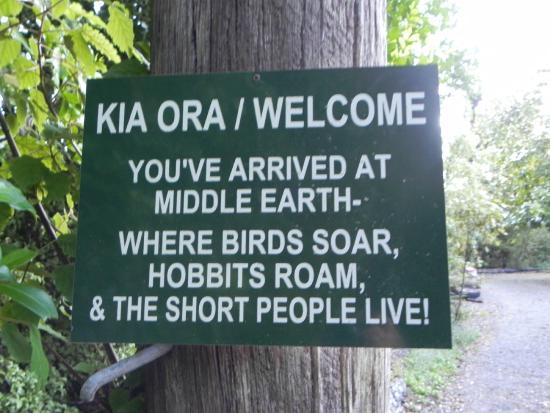 Mount Tutu Eco-Sanctuary : Welcome Sign at the Sanctuary
