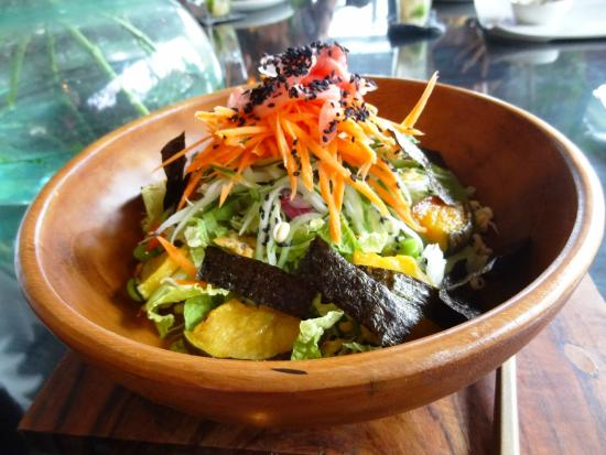 The Elephant Restaurant & Bar: Salad (pumpkin, pickled ginger, nori, greens, carrots, cucumber ...)