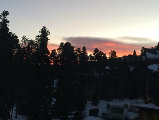 Grand Timber Lodge: Sunrise from the lodge