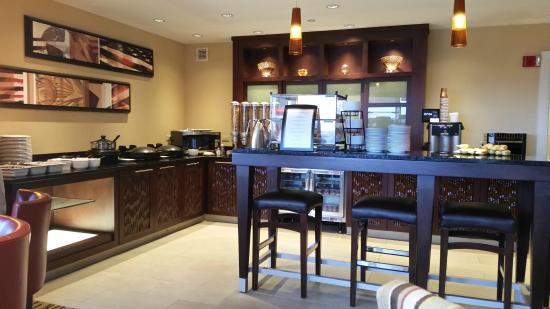Boston Marriott Quincy: Concierge Lounge on Level 9