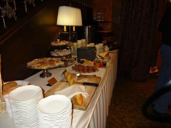 Garden Ring Hotel: Restaurante charmoso. Café maravilhoso.