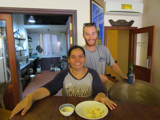 Golden House International: Awesome Cook