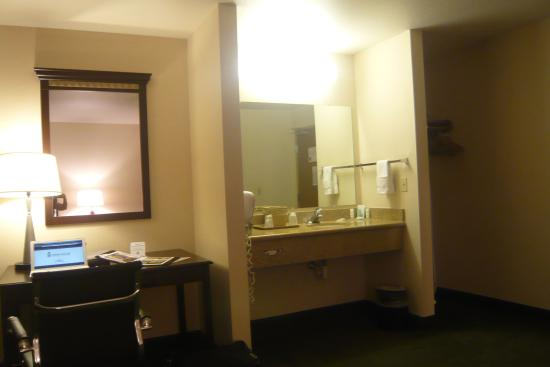 Comfort Inn Downtown Wenatchee: Vanity