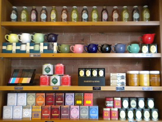 Patisserie Vaniye: Great selection of teas