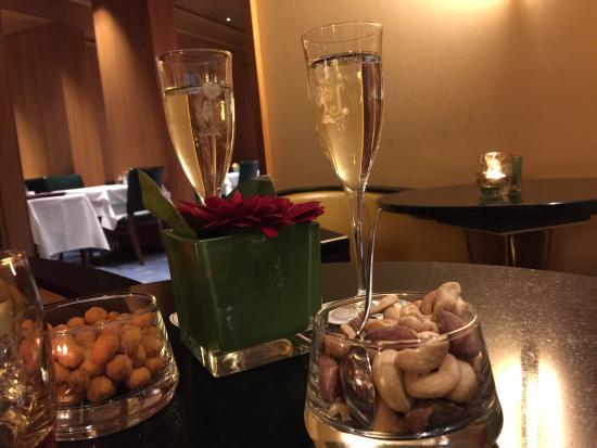 Hotel Glaernischhof : Aperitivo al Bar