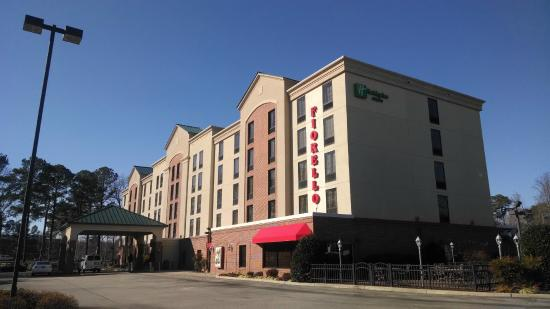 Comfort Inn: This is the REAL Holiday Inn Express on J. Clyde Morris Blvd (Warwick Blvd location is closed)