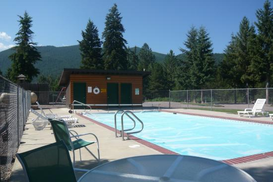 Nugget RV Park : Great spot on a hot day