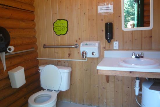 Nugget RV Park : Washroom for tent campers