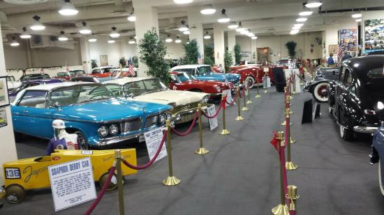 A Rare Scarab Picture Of Don Laughlins Classic Car Collection - Laughlin car show