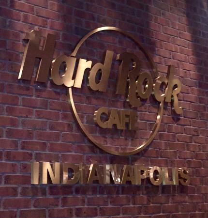 Hard Rock Cafe: Enjoyed Hard Rock...comfortable setting