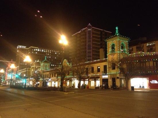 Gram & Dun: holiday lighting in the City