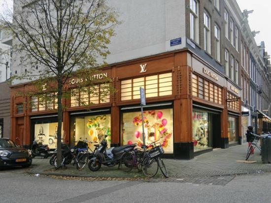 8a7de6b8fb7 Louis Vuitton - Picture of Pieter Cornelisz Hooftstraat, Amsterdam ...