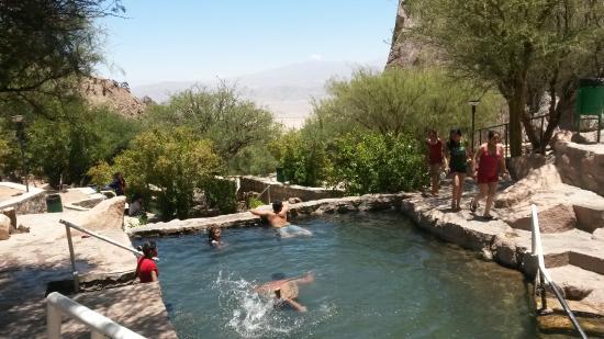 Termas de Fiambala: mas piscina con distintas T°