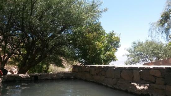 Termas de Fiambala: Sombra y piscinas
