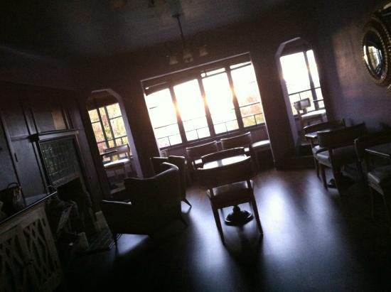 Bancroft Hotel: Breakfast room: atmospheric!
