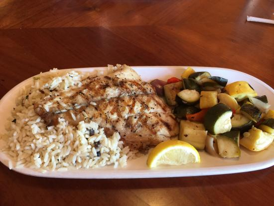 Stingrays Taphouse and Grill: Fish of the day entree.