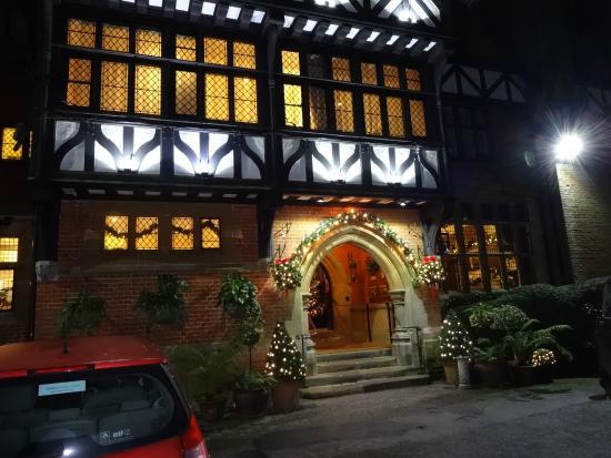 BEST WESTERN PLUS Grim's Dyke Hotel: Main building