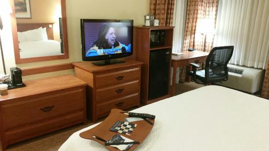 Hampton Inn and Suites Las Vegas - Henderson: Fridge & Microwave