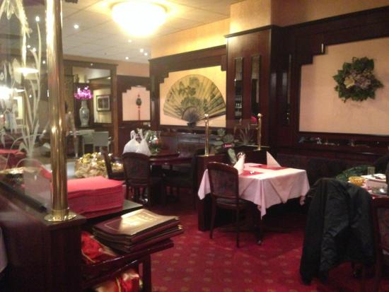 die einrichtung zum eingang hin bild von china restaurant orchidee k ln tripadvisor. Black Bedroom Furniture Sets. Home Design Ideas