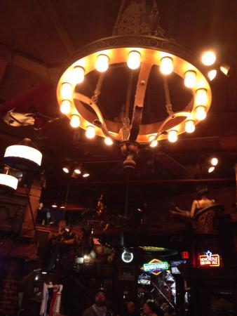 Fred P Ott's Bar & Grill: Ceiling from P otts