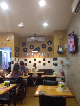 Mostardas Hamburgueria e Cafe