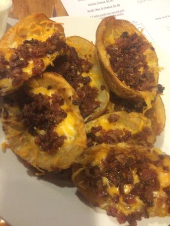 Orange, แมสซาชูเซตส์: Tater skins lots of yummy bacon!