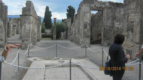 Walks of Italy : vista de Pompéia