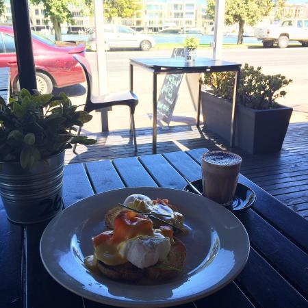 plank kitchen and bar: Egg royals