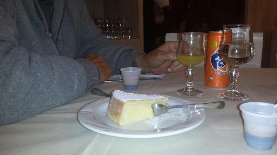 Qualiano, อิตาลี: Yummy dessert last night!