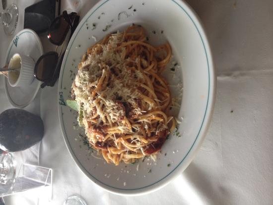 Evita's Italian Restaurant : Spaghetti with jerk sausage