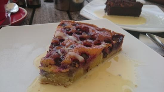 Salty Squid Cafe: blueberry frangipani tart, its worth leaving your wife for!