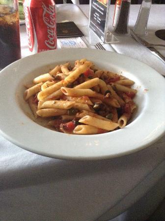Cafe Honore : Penne a la Putanesca