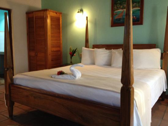 Kuyaba Hotel & Restaurant - Negril : Honeymoon suite - has a huge deck 2nd floor