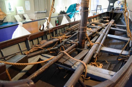 Cold Spring Harbor Whaling Museum: Restored whaleboat