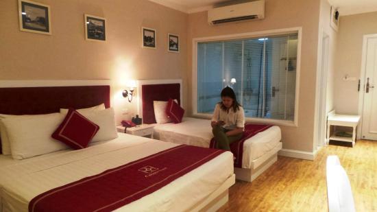 Calypso Suites Hotel: spacious room
