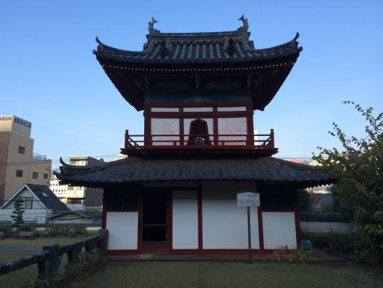 Kofukuji Temple: 唐寺独自の屋根の反り