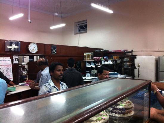 Kayani Bakery: Interior