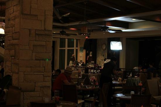 Restaurant & Lounge MAIN: メイン