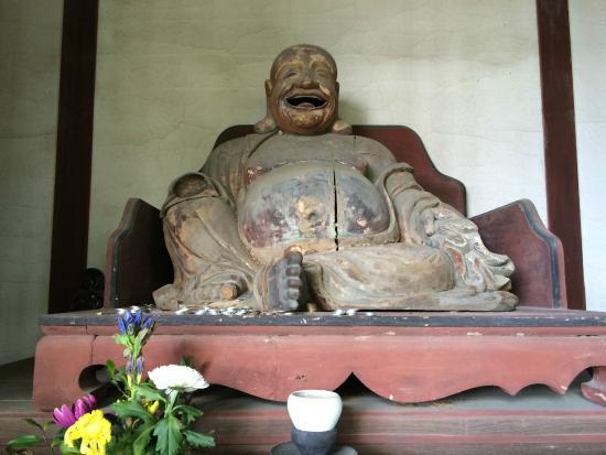 Shofukuji Temple: 二の門内の木像