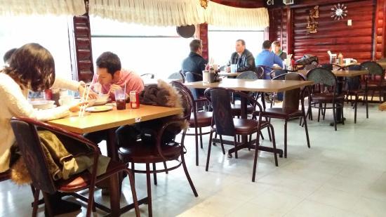 Vietnamese Noodle House : Inside
