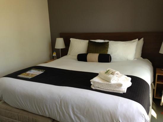 Comfort Inn & Suites Warragul Motel: King Size Bed