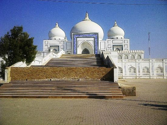 Larkana, Pakistan: Bhutto's mausoleum