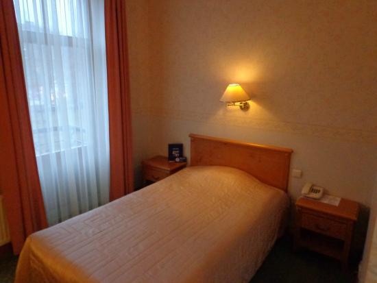 Kolonna Hotel Cesis : comfy bed