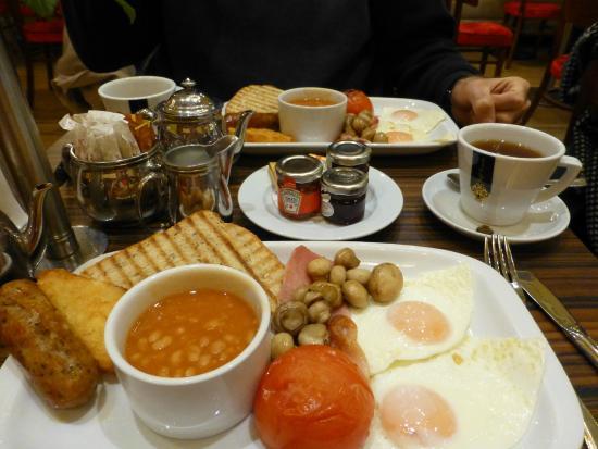 Citadines Trafalgar Square London: le petit déjeuner anglais