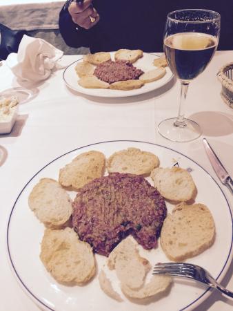 "Blue Canalla Bar: Biff tartar. Den ""beste"" i Valencia fikk vi høre. Meget bra��"