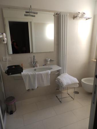 La Villetta Suite: Bathroom