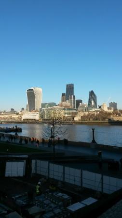Premier Inn London Tower Bridge Hotel: View from the bridge