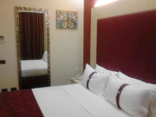 Bagno Con Doccia Aperta : Bagno con a lato doccia aperta a pavimento foto di grand hotel